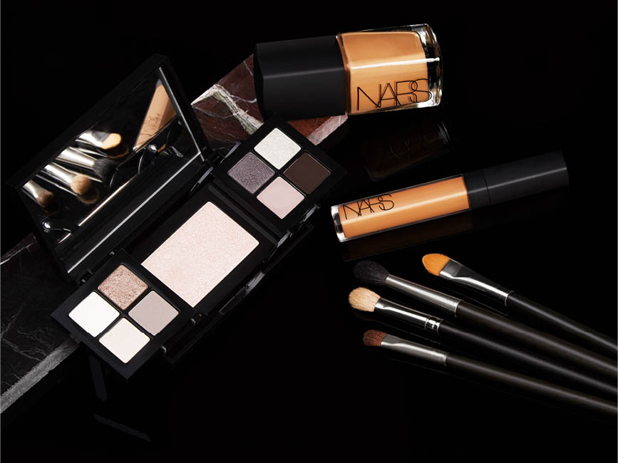 makeup_healthandbeauty_cosmetics_nars_bobbibrown_foundation_designidentity_photography